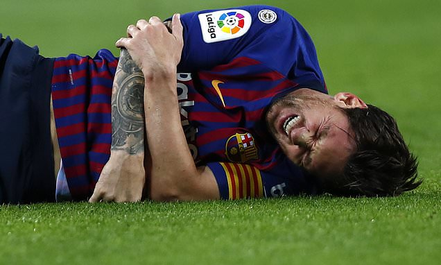 Lionel Messi ruled out for THREE WEEKS and will miss El Clasico after fracturing arm in nasty fall during Sevilla win https://t.co/RQt9YMiliI