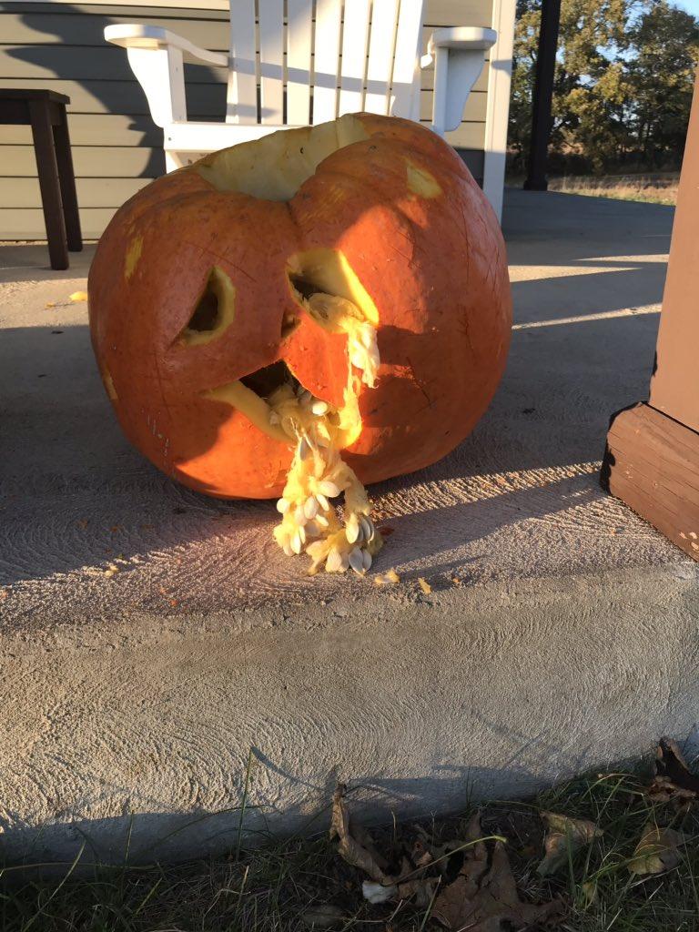Pumpkin carving time!!