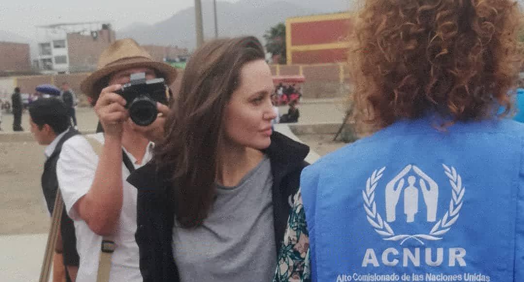 """#FOTOS Angelina Jolie visita Perú para """"evaluar las necesidades"""" de los refugiados venezolanos https://t.co/tpLrnSHOyz"""