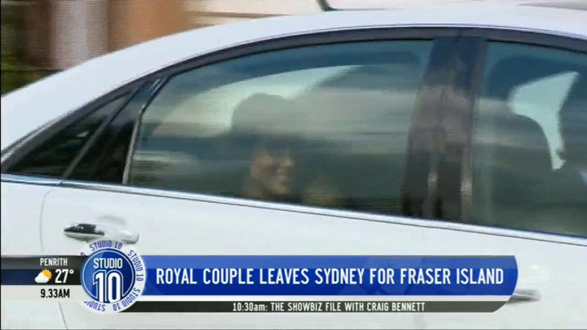 A royal wave from Meghan as the Duke & Duchess of Sussex departed Admiralty House for Queenslands Fraser Island. 👋 #RoyalTour #Studio10