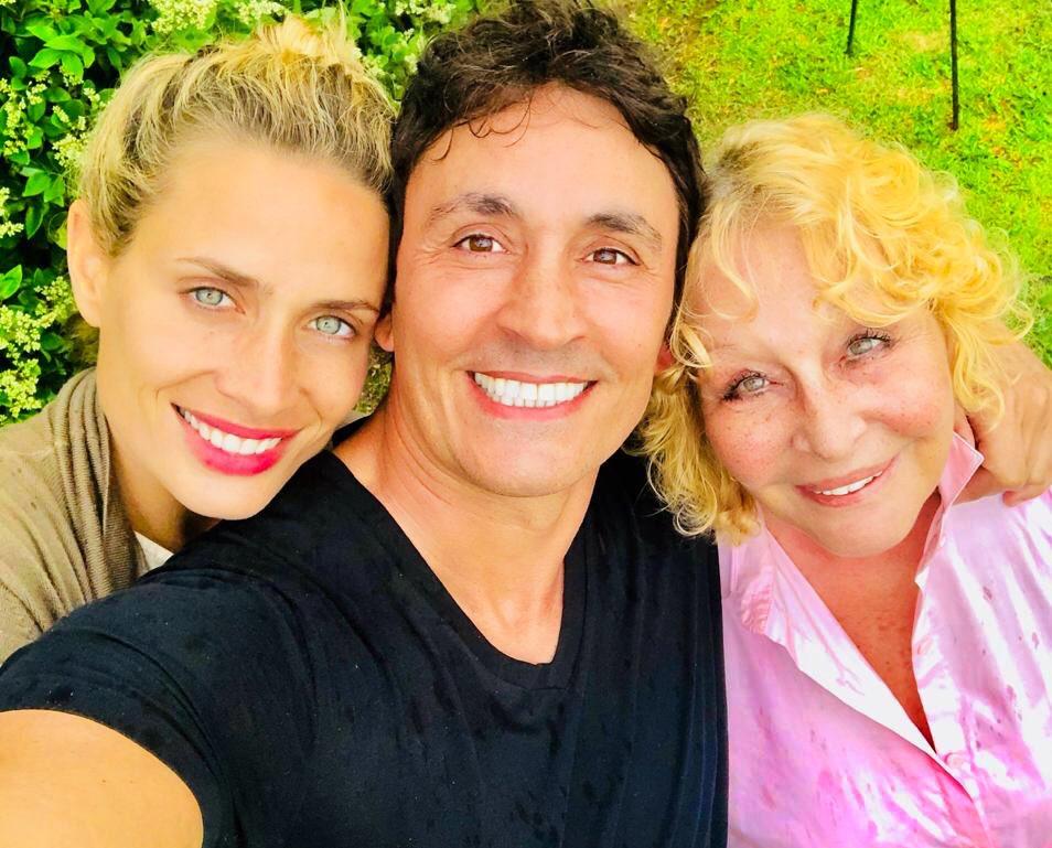 Mis 2 amores! Feliz día para todas las Madres! ❤❤ #Ivana #Moni #FelizDiaDeLaMadre