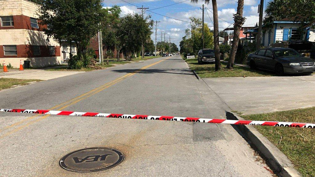 Six people shot near Jacksonville Jaguars stadium https://t.co/3WpQMfg7NL
