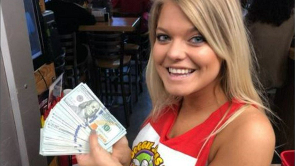 $10,000 tip left at NC hot dog joint by man who only ordered 2 waters https://t.co/ipcexbXaj2