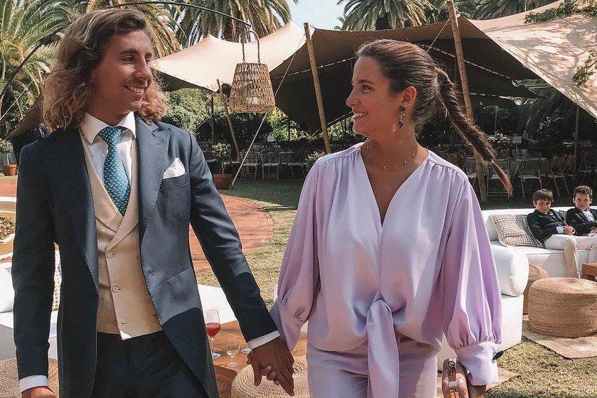 Doble boda a la vista: Marta Pombo se ha prometido (igual que su hermana) https://t.co/2i7DO8HbCr