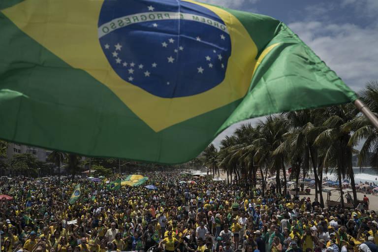 Ao redor do país, manifestantes afirmam que atuam nas redes sociais para Bolsonaro de graça https://t.co/1j6ifDdswf
