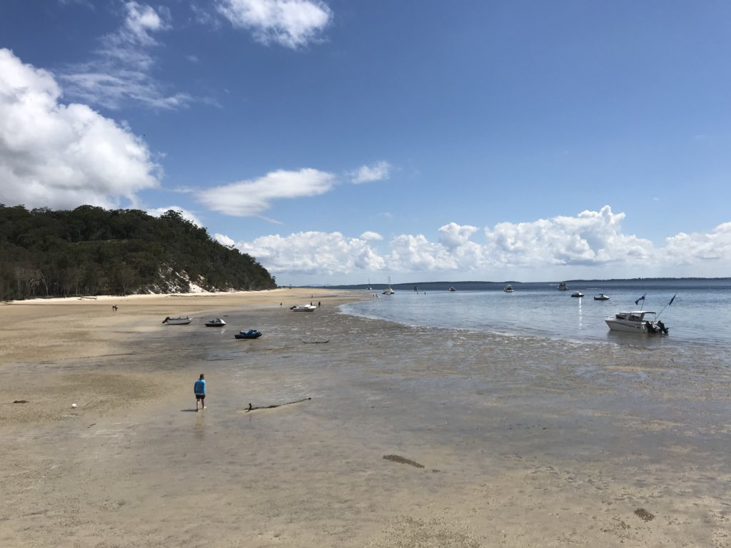 One of the reasons #meghan didn't come to the Pile Valley in the interior of Fraser Island was that the road was long and very bumpy. This is the resort (and view!) where the couple are staying in a private house on the coast, so no bumpy road!