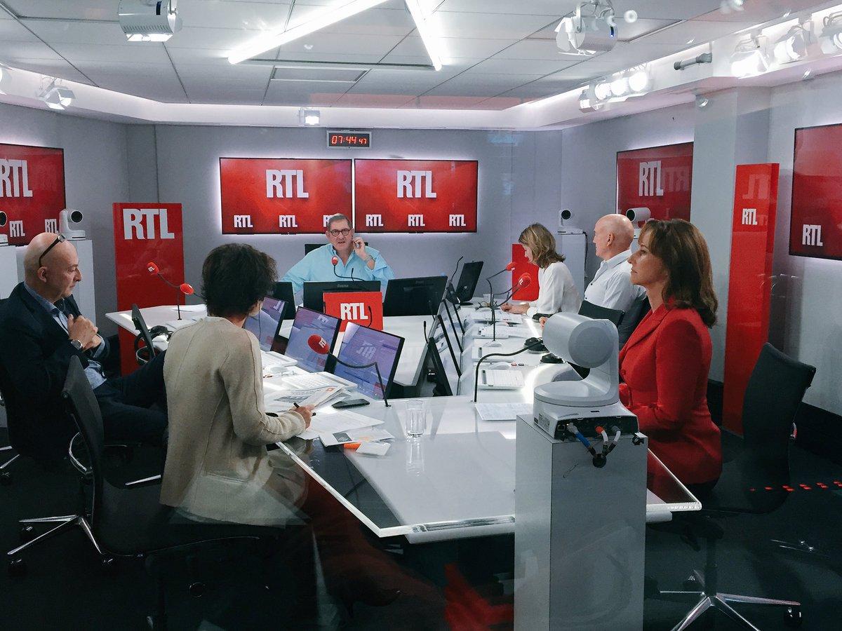 7h45 @RoyalSegolene face à @EliMartichoux en live vidéo dans #RTLMatin > https://t.co/r32D2Mz0mj