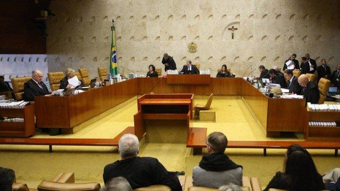 Ministros do STF consideram declaração de filho de Bolsonaro extremamente grave.  Avaliação no tribunal é a de que discurso de Eduardo Bolsonaro, de que 'basta um soldado e um cabo para fechar o STF', não pode ficar sem resposta. https://t.co/39v9PS4YwF