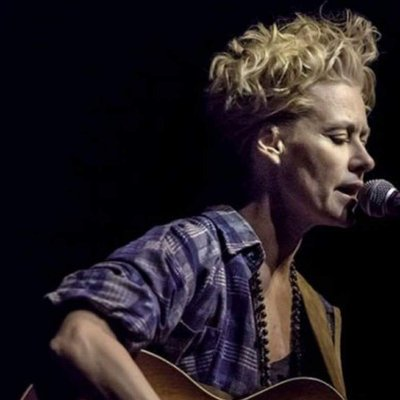 Spinning Shelby Lynne on and wishing her a happy birthday!