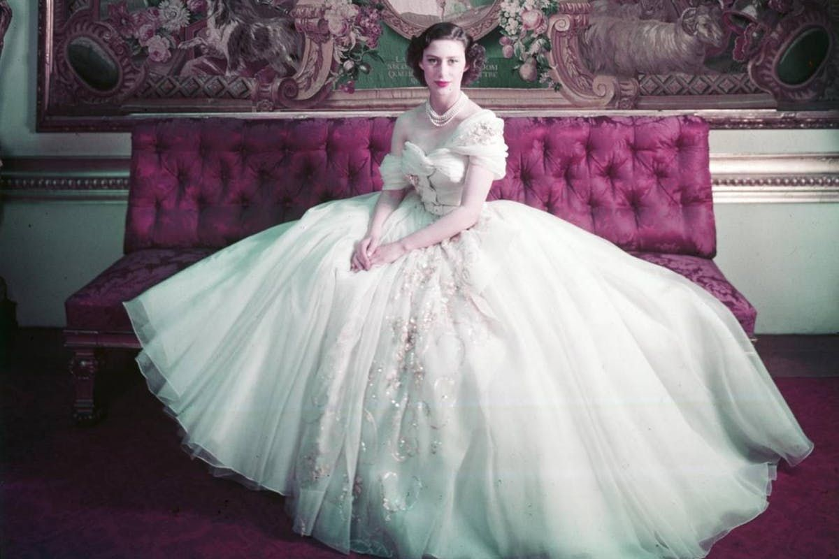 Everything to look forward to at the V&A's upcoming #Dior exhibition https://t.co/leRcWBeixl