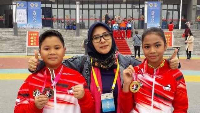 Bunda Ade, Sosok di Balik Adik-Kakak Peraih Medali Wushu di China https://t.co/UFVoftfwlu via @haibundacom https://t.co/k14ffya55e