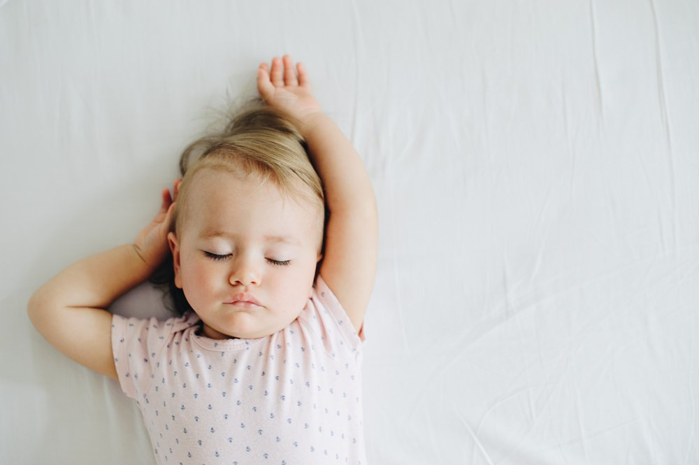 Did you know the clocks go back this weekend?! Here are 7 top tips to help your baby's sleep pattern https://t.co/jfJluaF35P