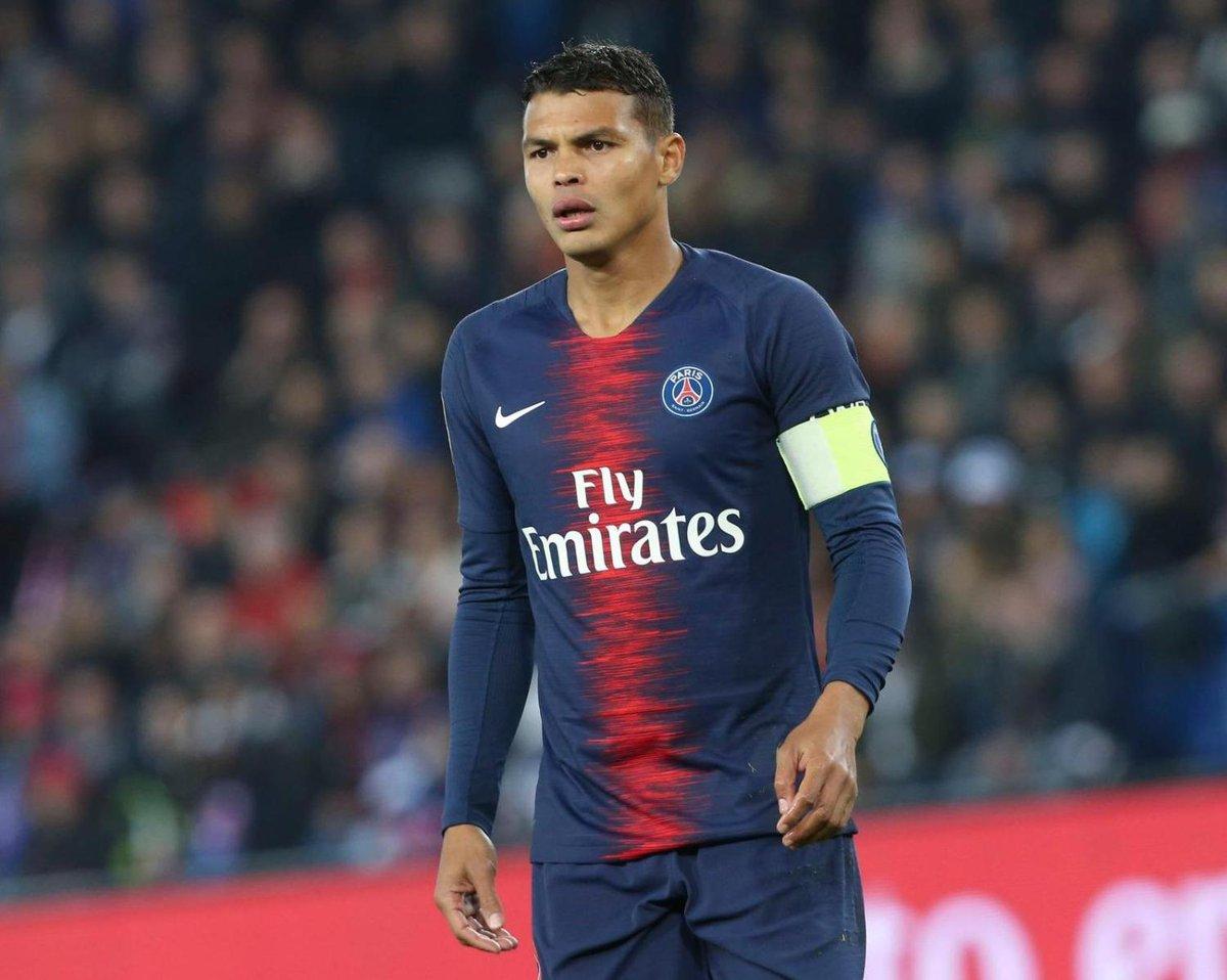 🚨 Le capitaine du PSG, Thiago Silva forfait contre Naples ! ⚽  #ThiagoSilva #Paris https://t.co/WZQEvQkZJP