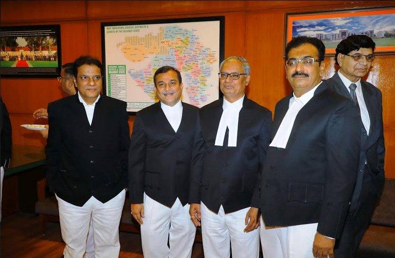 ગુજરાત હાઈકોર્ટમાં મુખ્ય ન્યાયમૂર્તિએ 4 ન્યાયાધિશોને ન્યાયાધિશ તરીકેના શપથ લેવડાવ્યા