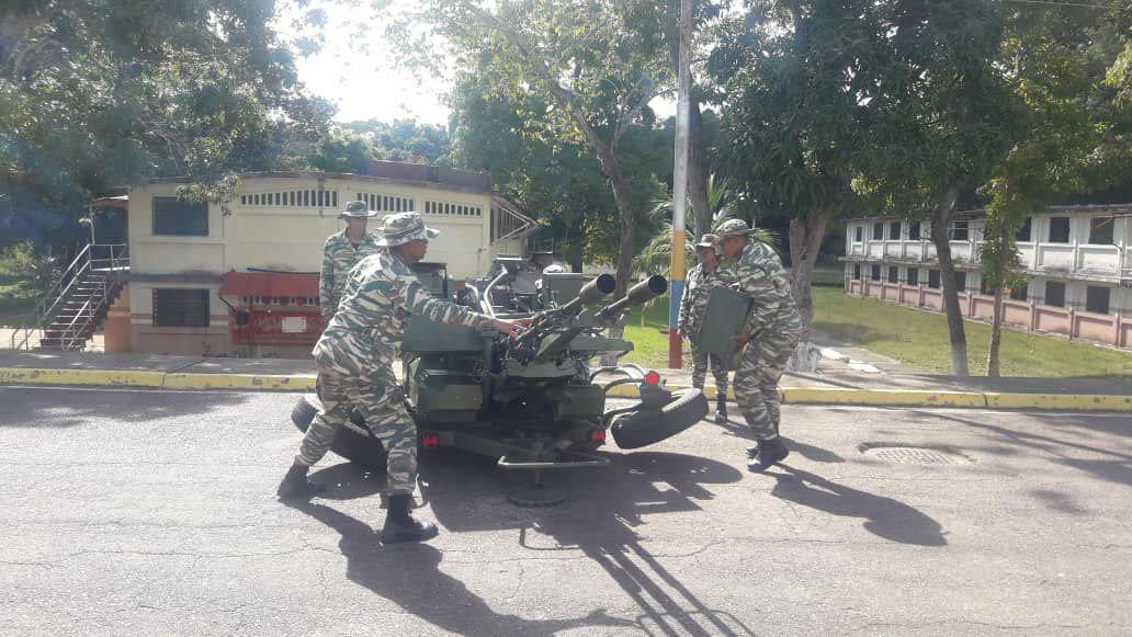 Noticias de la Milicia Bolivariana - Página 2 DqHFYhqX0AAxyD4