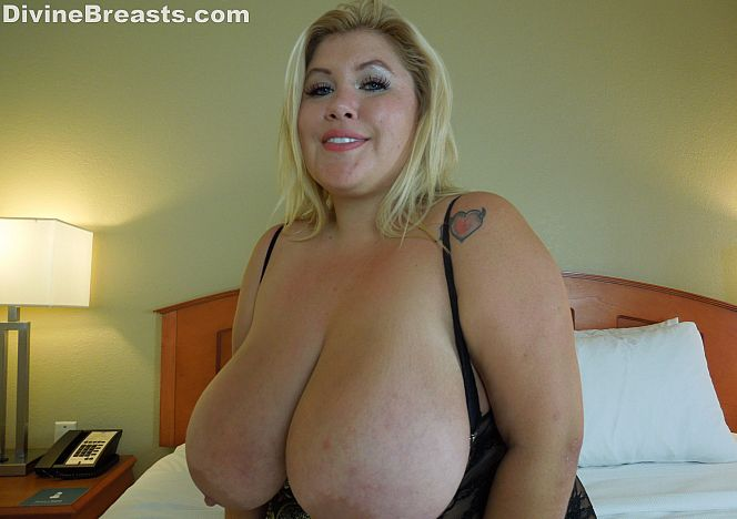 Kacey Parker Swollen #bigtits see more at https://t.co/JR488BqBBy https://t.co/QlakmJ0DXd