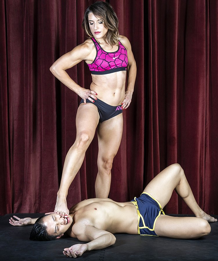 Strong femdom women fighting males stories — photo 7