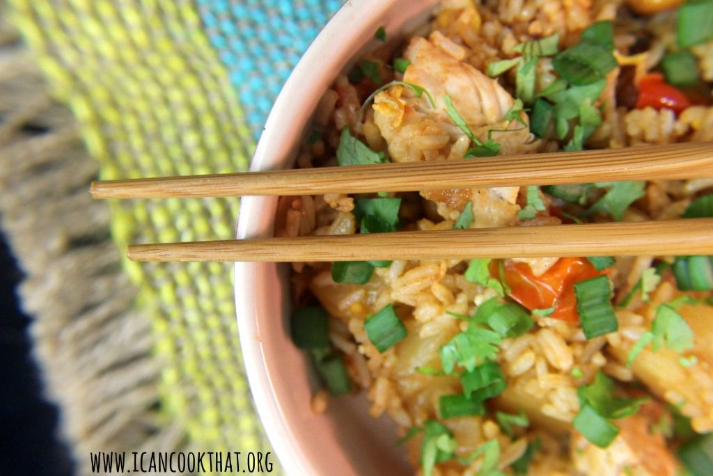 Pineapple Fried Rice with Chicken #recipe #icancookthat #NationalNutDay https://t.co/UkdWcpEeta https://t.co/v00UzYIx8i