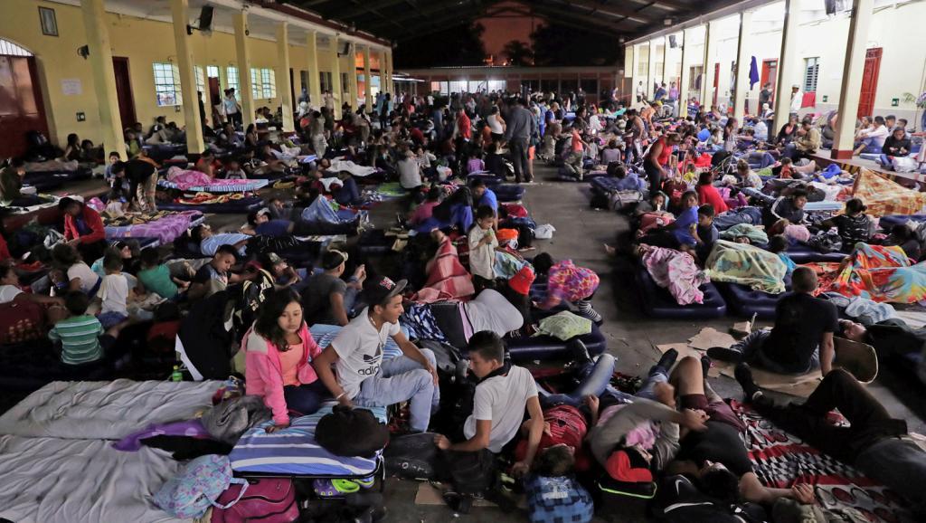 A la Une: arrivée de la «caravane» humaine de migrants honduriens au Mexique https://t.co/J6FqeH8nCE