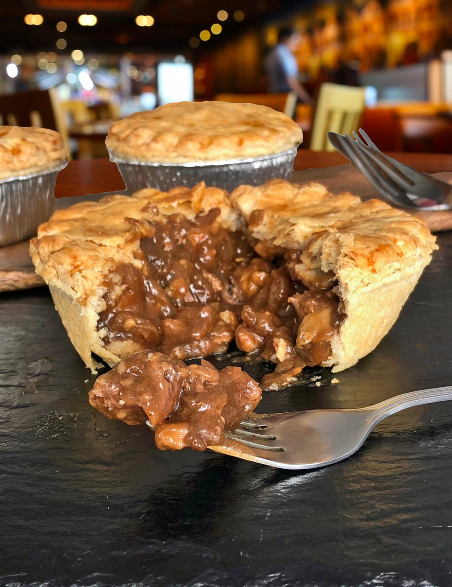 test Twitter Media - If this photo of our Steak Pie doesn't get your mouth watering then we don't know what will!!😍🍴#steak #steakpie #pie #lewispies #swansea #southwales #pastry #fulltothebrim #bursting #wholesale #mouthwatering #foodie https://t.co/Ek7qcJTjQt