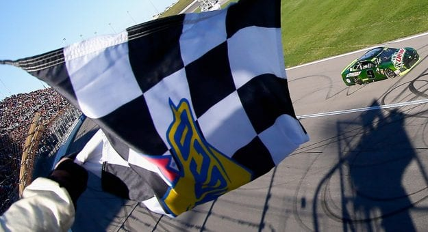 .@PPistone's Checkered and Black Flags - Kansas Edition  READ: https://t.co/JxR50xpudE  #NASCAR   #HC400   #AskMRN