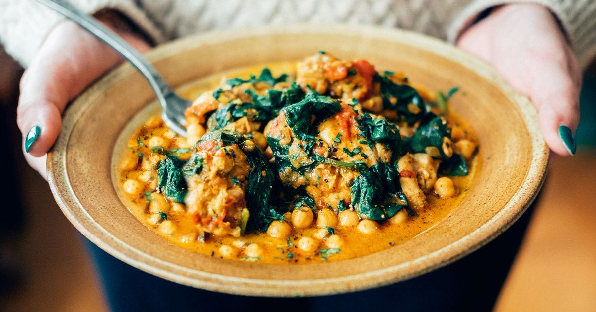 5 #vegan curry #recipes to warm you up this autumn https://t.co/tnHE1nrtw0 https://t.co/UOpiF4Uxj2