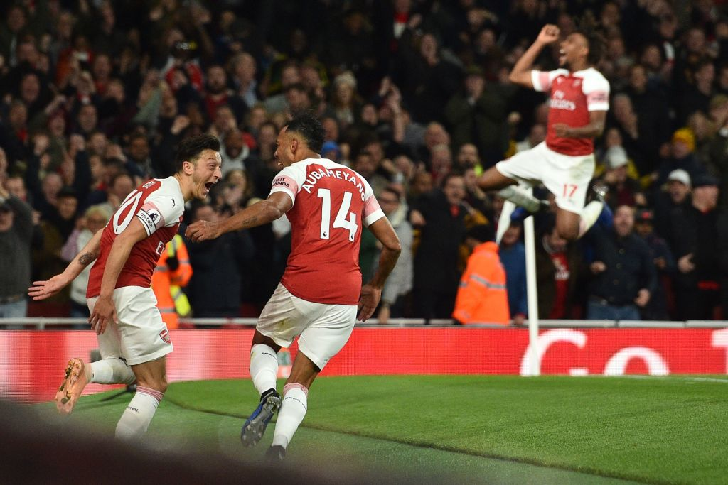 WWWWWWWWWW. Arsenal make it 10 wins in a row as they beat Leicester 3-1. Two goals for substitute Pierre-Emerick Aubameyang and one for Mesut Ozil, who was sensational. Read the report: bbc.in/2CYUUQq