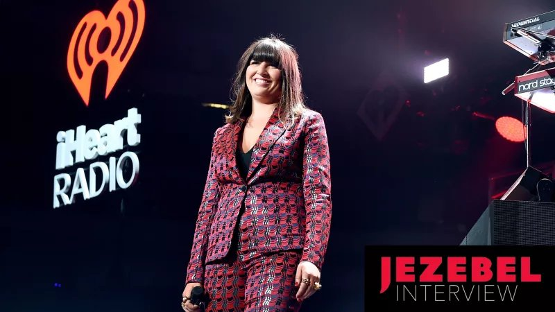 Emily Warren, who wrote a hit for The Chainsmokers, becomes a pop act herself https://t.co/QgObyohhml