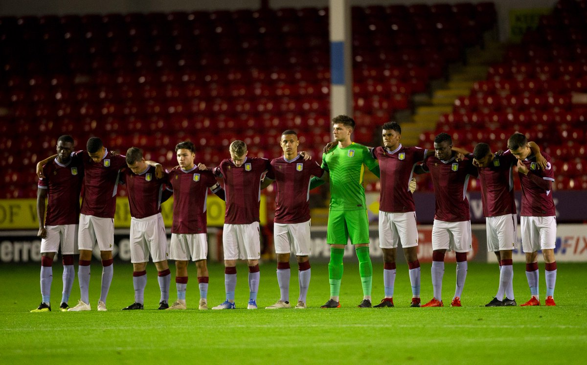 There was an immaculate minute's silence this evening prior to kick-off in honour of Sir Doug Ellis 🙏  #AVFC #PartOfThePride