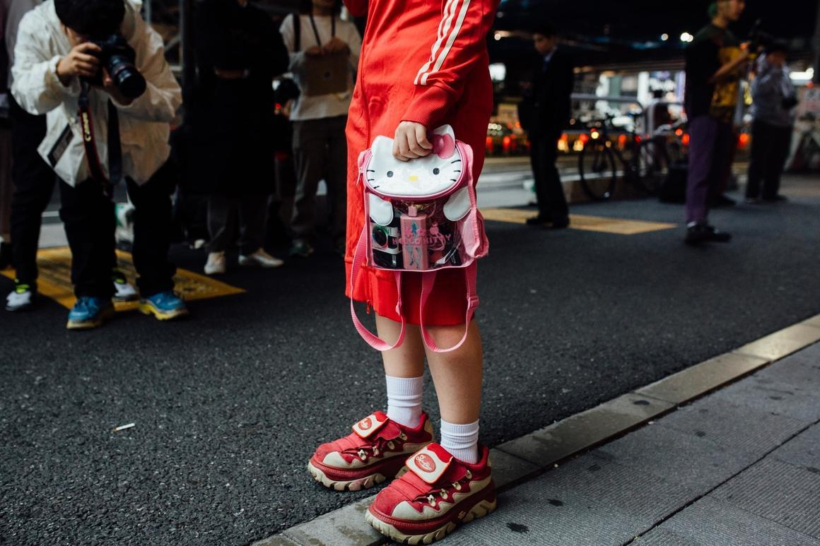 Get your Harajuki on with these Tokyo Fashion Week Street Style pictures.  https://t.co/MyPrQ7a2Fl