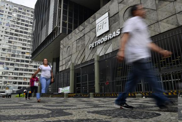 SBM devolverá R$ 1,22 bilhão à Petrobras em acordo de leniência https://t.co/DIoNNPySTU  📷Fernando Frazão/Arquivo/Agência Brasil
