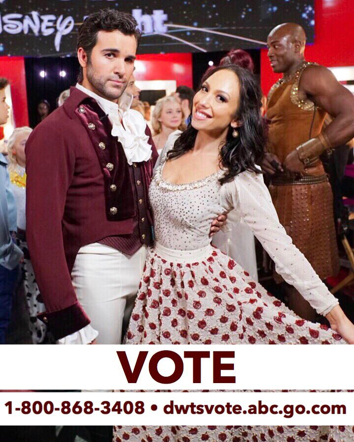 Gaston!!! I am SO proud of you @juanpablodipace, you and that ponytail we're amazing! Remember though, scores alone don't keep us dancing and we need your votes 🙏🏼 1-800-868-3408 and https://t.co/Tzu0EZWNvo ! #teamchernando