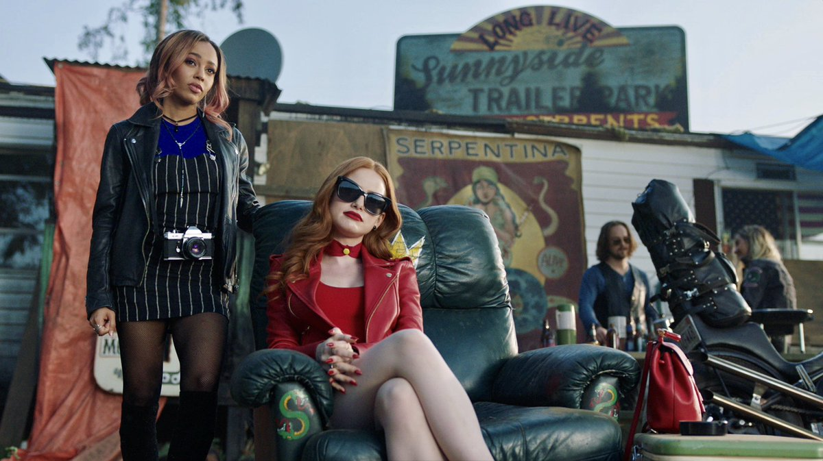 Nope, it sure isn't #Choni's only scene in this week's episode of #Riverdale...😇🔥🐍💥💋