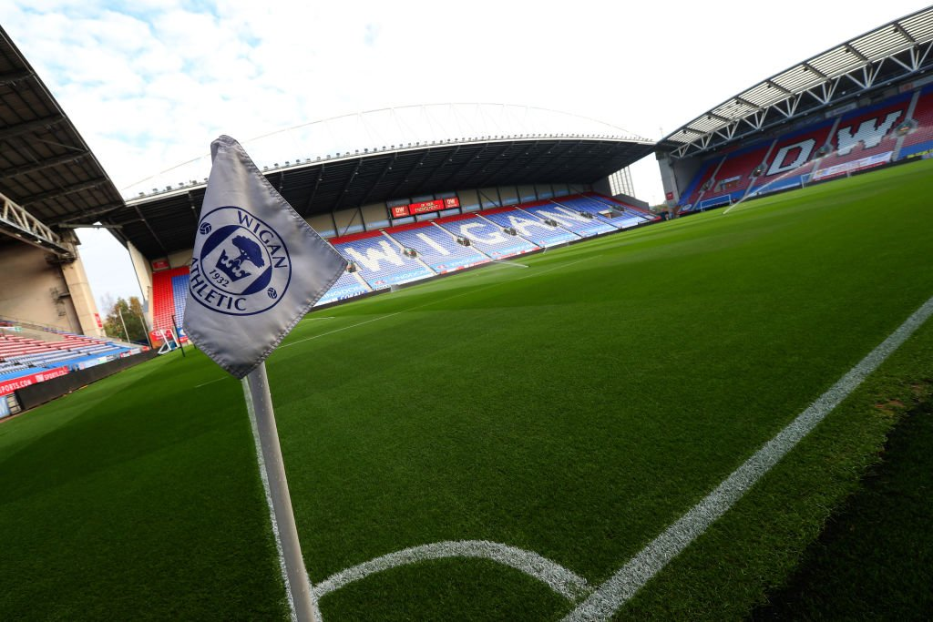 Maldives? ❌ Caribbean? ❌ Wigan? ✅ The DW Stadium was the honeymoon destination of choice for one football fan from America: bbc.in/2yt4xD8