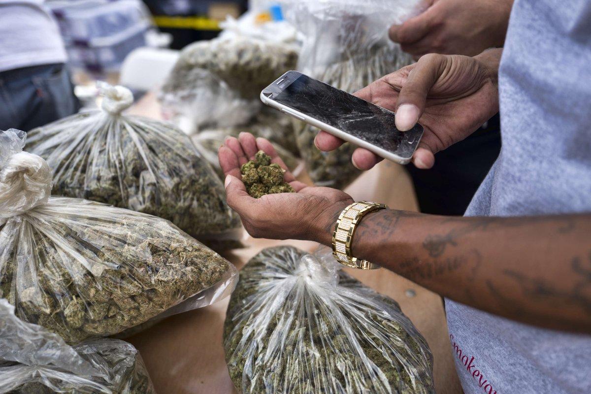 В Канаде почти закончилась марихуана  https://t.co/IVNMEFPWgV