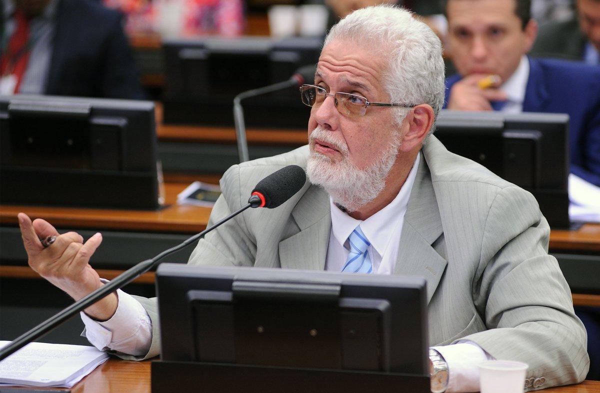 Deputado Jorge Solla ingressa com representação na PGR e pede prisão de Bolsonaro https://t.co/Yuwd8QnkbB