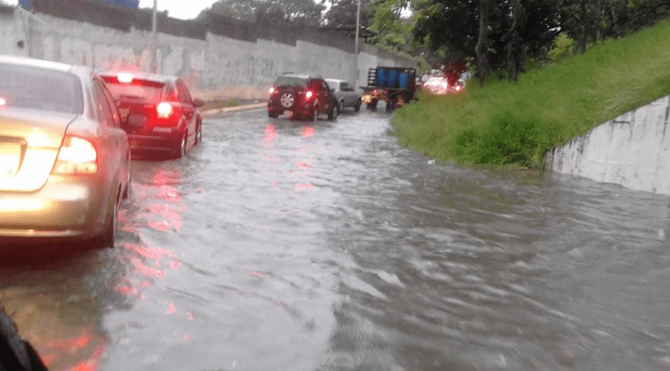 Así se encontraba la Cota Mil tras el diluvio de este lunes #22Oct(Fotos) https://t.co/SHcNzygX5V