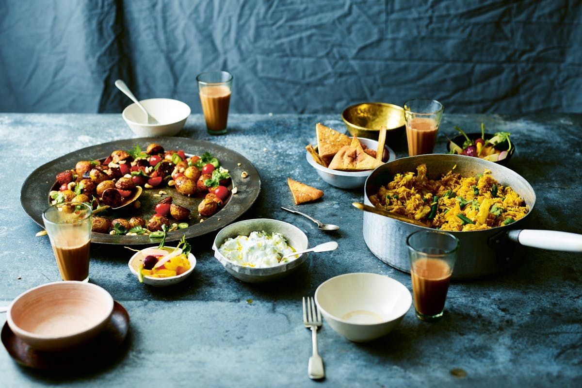 From chickpea and chard korma to chana masala with yellow cauliflower rice, these #vegan recipes will keep you going this #NationalCurryWeek  https://t.co/xrrx9DgWSN