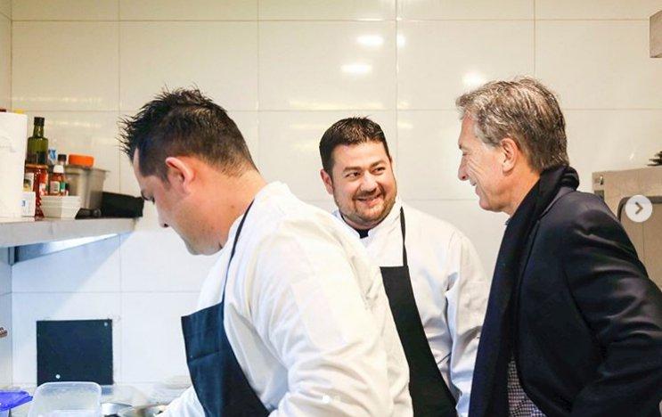 La historia del chef venezolano que cocinó arepas para el presidente Macri https://t.co/OfJn3gdfxS https://t.co/xAW5HffC4T