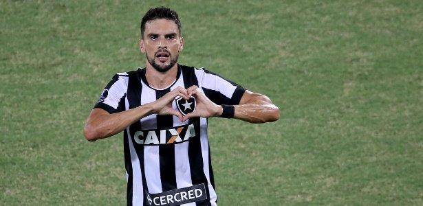 Pimpão admite incômodo por salários atrasados no Botafogo https://t.co/ONukiDFziI