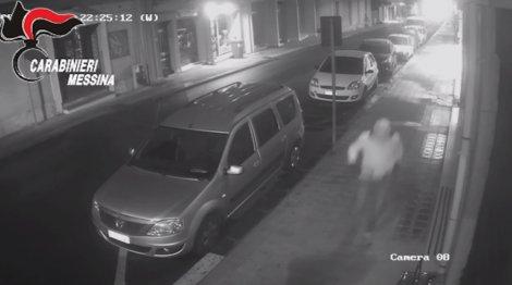 Fecero saltare in aria il negozio del rivale, arrestati due cugini dinamitardi (VIDEO) - https://t.co/c0QaeWRzx8 #blogsicilianotizie