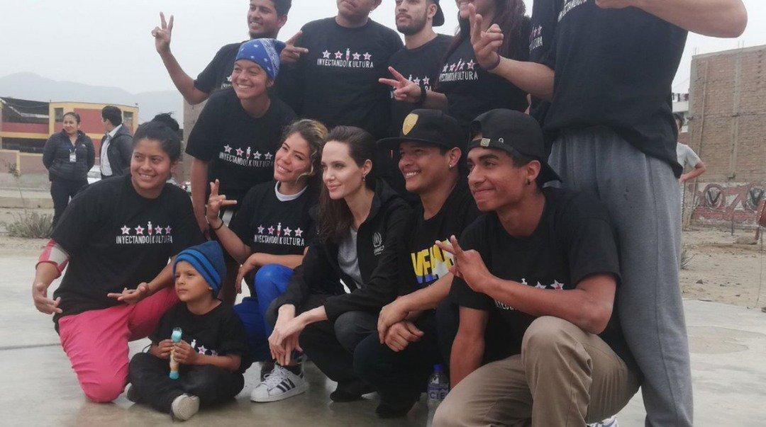 """#LoDice Angelina Jolie: """"Yo lo que quiero es que la gente sepa que ustedes no se han ido de Venezuela porque querían conseguir un mejor trabajo. La situación es mucho más seria de lo que la gente cree"""" https://t.co/pbjBOazjdR"""