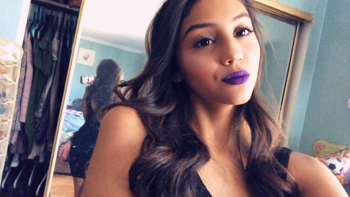 These purple lips were everything 😇😛🤭