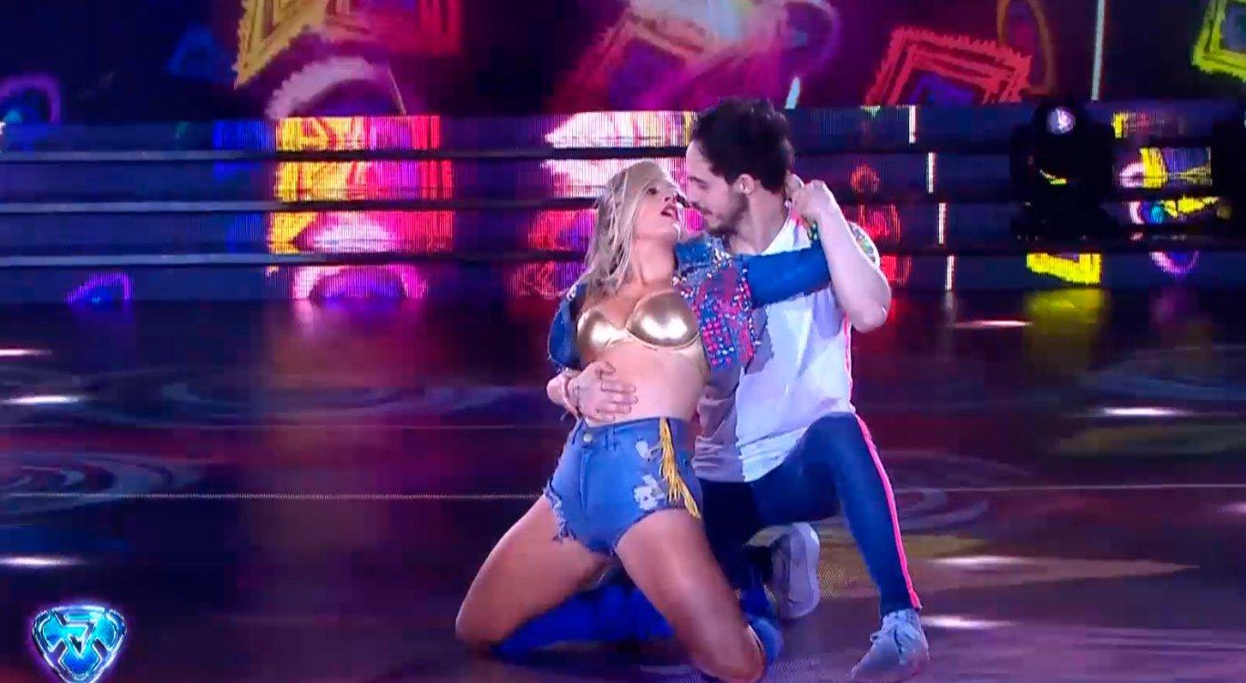 Bailando 2018   Mica Viciconte dejó todo en la pista mientras Cubero en primera fila https://t.co/tI1clYFf6b https://t.co/kOR9li6EU9