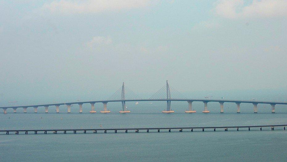 El puente marítimo más largo del mundo abrió este martes, pero no es para todos https://t.co/XOXzZpwKq0