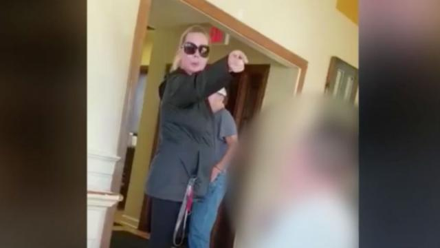 WATCH: White woman demands to see passports of Spanish-speaking family at Virginia restaurant https://t.co/yTqp1uY2CH