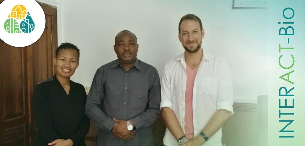 Engaging with the Lord Mayor of #DaresSalaam City Council, Isaya Charles Mwita, on #greening the #city as part of our #INTERACTBio project: https://t.co/OwOQmgngJF #Tanzania