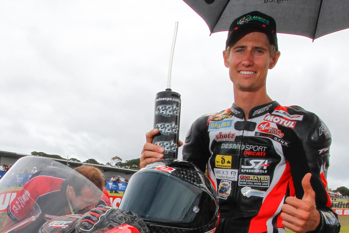 Mike Jones joins @asparteam in Australia  Australian rider to line-up alongside Abraham in place of Bautista, who moves across to the factory Ducati team to replace Lorenzo      📰#MotoGP #AustralianGPhttps://t.co/1jwa21tw8J