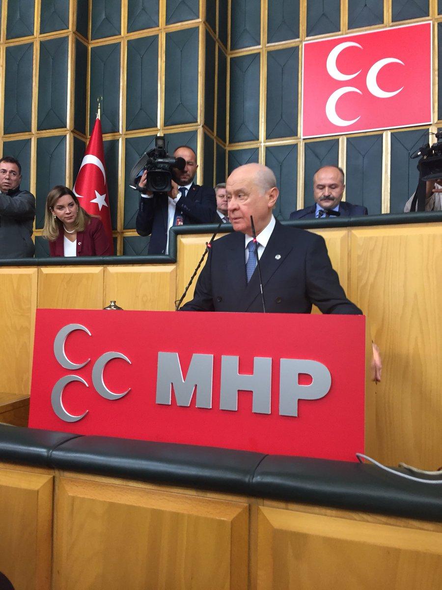 Bahçeli yerel seçimlere kendi adayları ile türkiye'nin her bölgesinde katılacaklarını da açıkladı.