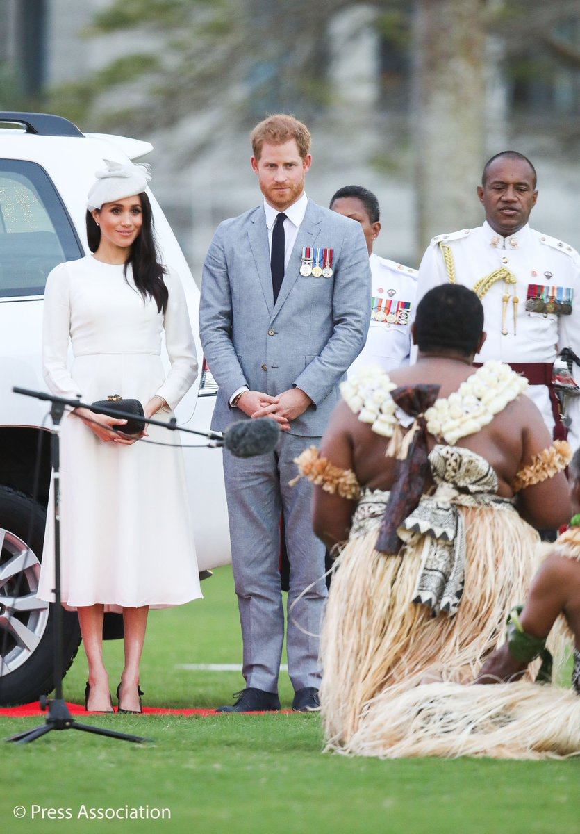The Duke and Duchess of Sussex are in Fiji! They were welcomed at an official ceremony known as the Veirqaraqaravi Vakavanua, which embodies Fijian cultural identity and heritage.  The Queen and The Duke of Edinburgh were welcomed in the same way in 1953. #RoyalVisitFiji